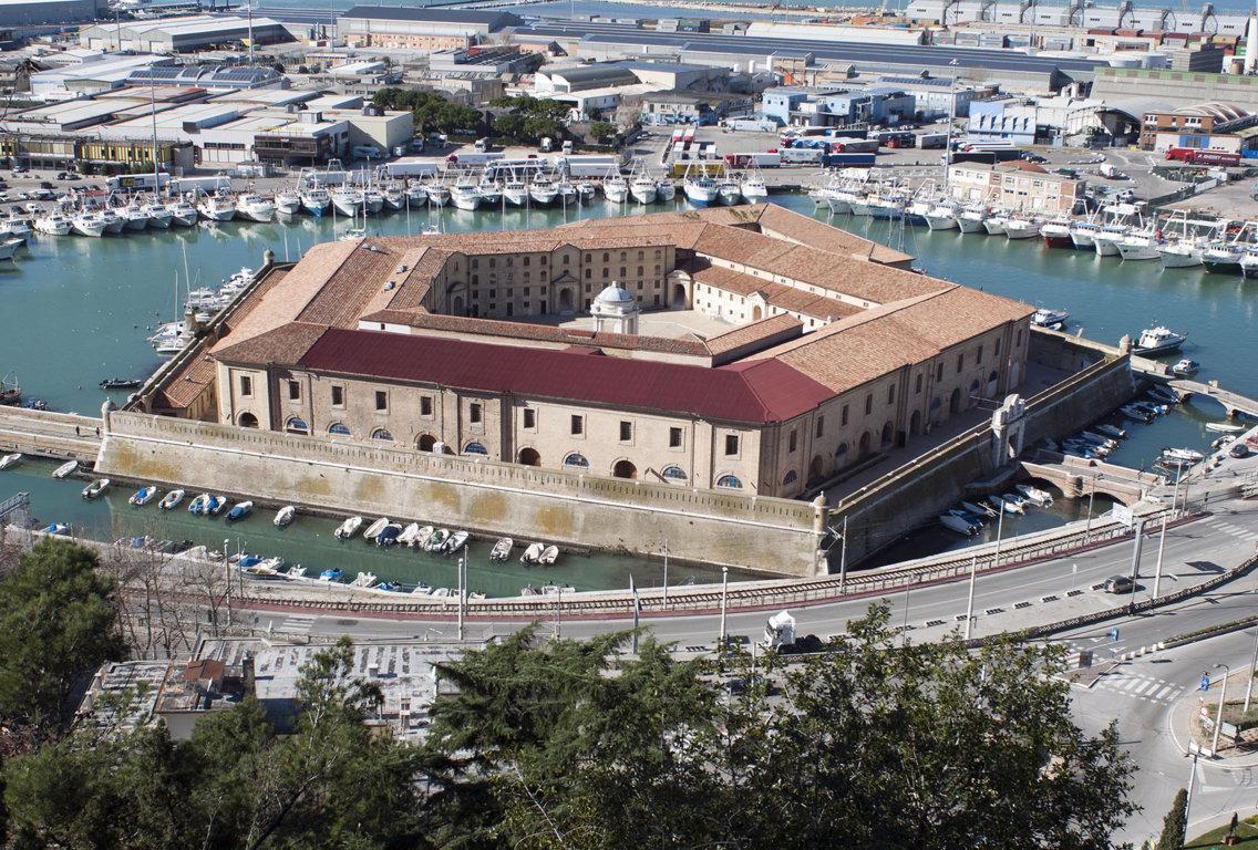 Ancona serramenti preventivo di costo e prezzi online for Costo serramenti pvc