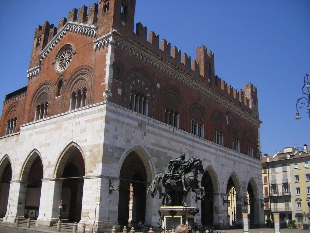 Piacenza serramenti preventivo di costo e prezzi online for Preventivo finestre online